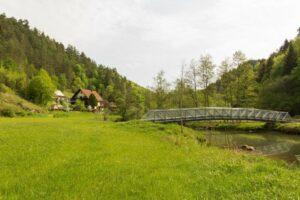 Heroldsberg-Tal mit Brücke